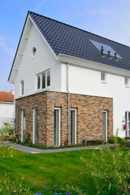 Moderne eigentijdse woningen varexhuis - Exterieur ingang eigentijds huis ...